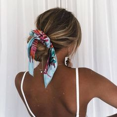 scarf for hair, hair scarf hairstyles Hair Day, New Hair, Your Hair, Girl Hair, Pretty Hairstyles, Easy Hairstyles, Bandana Hairstyles For Long Hair, Hairstyle Ideas, Stylish Hairstyles
