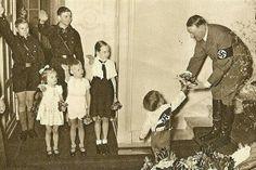 Postal navideña de Hitler.