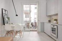 rustic home decor Swedish Interior Design, Swedish Interiors, Interior Decorating, Interior Ideas, Eames Dining Chair, Dining Room, Condo, Minimalist Interior, Apartment Living