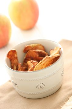 Yum! Make these cinnamon apple chips at home and skip pre-packaged snacks | From @Alison Lewis #recipe #cinnamon #apple