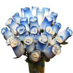 Rosa azul y blanca Floral, Flowers, Jewelry, Blue And White, Blue Nails, Wooden Flowers, Bouquet Wedding, Bouquets, Colors