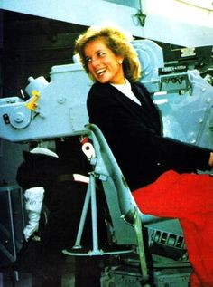 1989-10-12 Diana visits HMS Cornwall at Her Majesty's Naval Base, Devonport, in Plymouth, Devon