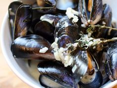 Creamy Mussels with Sauce Roquefort Recipe | Serious Eats
