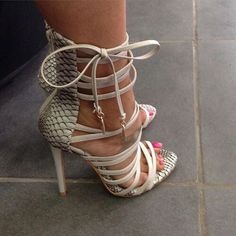 Find images and videos about fashion, shoes and heels on We Heart It - the app to get lost in what you love. Hot Shoes, Crazy Shoes, Me Too Shoes, Zapatos Shoes, Shoes Heels, Shoes Sneakers, Strappy Shoes, Tan Heels, Gladiator Sandals