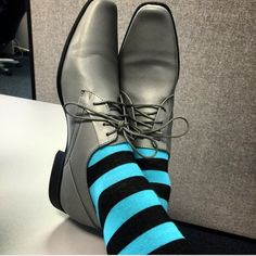 Clean, relaxed Soxy Combo - [Soxy is the world's hottest socks club for men]… Funky Socks, Crazy Socks, Colorful Socks, Sock Shoes, Men's Shoes, Shoe Boots, Fashion Moda, Mens Fashion, Gentleman Shoes
