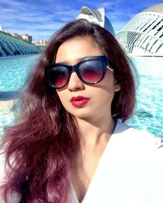 Shreya Ghoshal Hot, Sri Lanka Photography, Beautiful Girl In India, India Beauty, Music Artists, Bollywood, Actresses, Sunglasses, Sexy