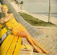Making the beach brighter!! Fabulous vintage!