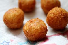 Crispy on the outside – warm, creamy, cheesy, and lemony on the inside – these little risotto balls (arancini in Italian) are simply irresistible. #SensationalSides #RisottoBalls