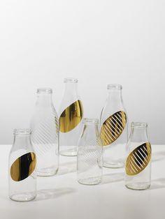 Tomas Karl - Crystal glass engraving and gold leaf gilding.