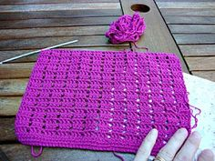 KahviKaneli Virkkaa: Yhden tiskirätin ohje Crochet Stitches, Crochet Hats, Crochet Ideas, Knitting, Crafts, Handicraft Ideas, Malli, Baby, Fashion