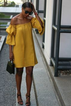 Off the shoulder exaggerated sleeve. - Total Street Style Looks And Fashion Outfit Ideas Cute Dresses, Casual Dresses, Casual Outfits, Fashion Dresses, Cute Outfits, Dresses With Sleeves, Summer Dresses, Yellow Dress Casual, Yellow Dress Summer