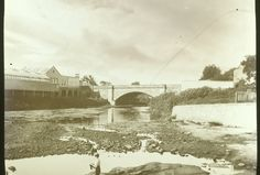 Lennox Bridge with Parramatta Baths at the left.where the Riverside Theatre is currently. Historical Images, Ancestry, Cemetery, The Locals, Old Photos, Baths, Sydney, Places To Go, South Wales