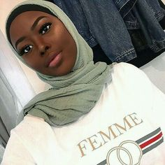 Discover recipes, home ideas, style inspiration and other ideas to try. Muslim Fashion, Modest Fashion, Hijab Fashion, Beautiful Muslim Women, Beautiful Black Women, Womens Fashion Online, Latest Fashion For Women, Modest Dresses, Modest Outfits