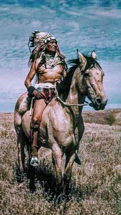 Native American Warrior, Native American Beauty, American Indian Art, Native American Indians, Native Americans, The Animals, Native American Paintings, Native American Pictures, Cowboy Pictures