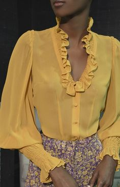 Ankara Styles, Fashion Sewing, Blouse Designs, Blouses For Women, Designer Dresses, Beautiful Dresses, Diana, Dress Up, Ruffle Blouse