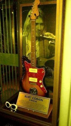 Kurt guitar and sun glasses