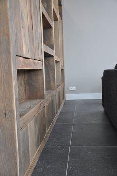 Mooi interieur opgeleverd met een prachtige kast - RestyleXL Country Living, Shelves, Storage, Home Decor, Furniture, Tv Storage, Country Life, Purse Storage, Shelving