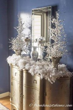 Looking for for living room or holiday table inspiration? These blue and white Christmas home decorating ideas are sure to add holiday spirit to your house. Christmas House Lights, Silver Christmas Tree, Christmas Decorations For The Home, Christmas Fireplace, Christmas Mantels, Elegant Christmas, Beautiful Christmas, Christmas Home, White Christmas