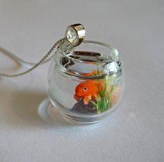Goldfish Bowl collar joyas de casa de muñecas miniatura del by Artwonders | Etsy