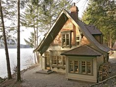 Fulford Harbour cottage CURB APPEAL tiny house near a lake in a wooded area. The post Fulford Harbour cottage appeared first on Architecture Diy. Small Cottages, Cabins And Cottages, Small Cabins, Cottage Living, Cottage Homes, Cottage Home Plans, Lake House Plans, Br House, Cute Cottage
