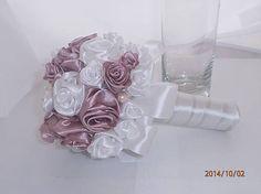 erika97652 / svadobna kytica Napkin Rings, Vase, Home Decor, Decoration Home, Room Decor, Vases, Home Interior Design, Napkin Holders, Home Decoration