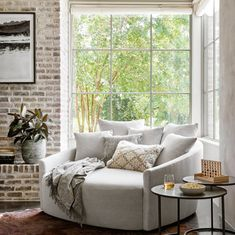 It's back to the work week, but still dreaming of lazy weekend days lounging at home! How cozy does this round sofa look? You can shop this piece now as part of our new line ✨ . House Design, Home, Big Modern Houses, Furniture Design, Room, Round Sofa, Room Decor, Living Room Decor, Furniture