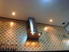 A casa da Mi: A cozinha completa! Sconces, Wall Lights, Minimalist, Lighting, Kitchen, Pallets, Home Decor, New Kitchen, Kitchen Organization