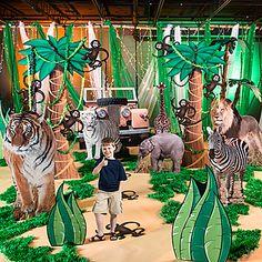 Our Wild Safari Dreams Quick Kit makes it easy to decorate! This freestanding decorating kit comes with a giraffe, a safari vehicle and safari grass standees and makes an amazing photo background. Safari Party Decorations, Diy Birthday Decorations, Party Props, Party Themes, Ideas Party, Theme Ideas, Diy Ideas, Decor Ideas, Jungle Theme Parties