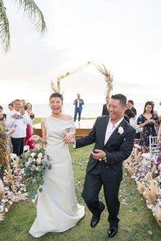 Elegant Architectural Thailand Beach Wedding – The Wedding Bliss – darinimages 34 Most Beautiful Wedding Dresses, Best Wedding Dresses, Beautiful Bride, Wedding Gowns, Wedding Hair, Bridal Hair, Wedding After Party, Wedding Show, Wedding Table