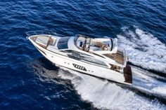 Flybridge – 72Fly | Absolute Yachts - Luxury yachts and boats made in Italy