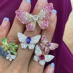 Amazing Butterfly Rings by featuring Multicolor Sapphires, Garnets and Diamonds🦋💎 Cute Jewelry, Jewelry Gifts, Jewelry Necklaces, Ring Necklace, Butterfly Ring, Butterfly Jewelry, Luxury Jewelry, Modern Jewelry, Jewellery Storage