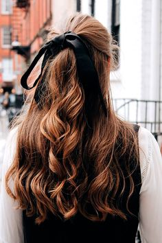Hair Ribbons Are Underrated NYC Winter Street Style - Vintage Jeans, Haarband, Stiefeletten [www. Wavy Hair, Her Hair, Thick Hair, Straight Hair, Fine Hair, Ombre Hair, Blonde Hair, Hair Inspo, Hair Inspiration