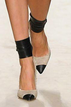 Isabel Marant, gava raffia and leather pumps