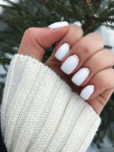 The advantage of the gel is that it allows you to enjoy your French manicure for a long time. There are four different ways to make a French manicure on gel nails. The choice depends on the experience of the nail stylist… Continue Reading → French Manicure Acrylic Nails, French Nails, French Nail Design, Shellac Nail Art, Nail Nail, Easy Nails, Fun Nails, Simple Gel Nails, Cute Simple Nails