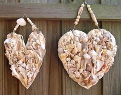 DIY Sea Shell Hearts: http://www.completely-coastal.com/2012/02/diy-sea-shell-hearts.html