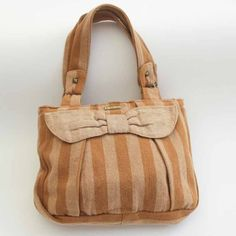 Organic cotton bag.  Bolsa algodão ecológico (nasce colorido).