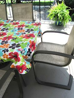 GENIUS!  Use binder clips to hold down outdoor tablecloth :)
