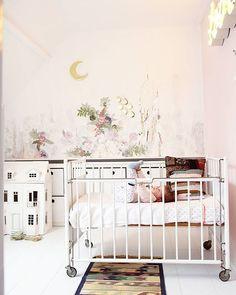 beautiful kids room..  ¿Quieres que te dotemos de superpoderes para decorar tu hogar con nuestra poderosa app? Visitanos,decora y conoce el precio al instante. www.youcandeco.com