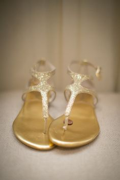 Gold Glitter Bridal Sandals | photography by http://kristengardner.com/
