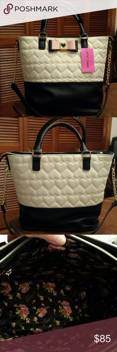"""NWT Betsy Johnson Heart Tote / Shoulder Bag NWT Gorgeous!! Betsy Johnson Quilted White Heart  """"Be my Honey Buns""""  Tote/ Crossbody/ Shoulder Bag,  Removable Crossbody / Shoulder Strap Betsy Johnson  Bags Shoulder Bags"""