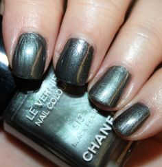Chanel Le Vernis Black Pearl 513 - Les Perles de Chanel Collection for Spring 2011