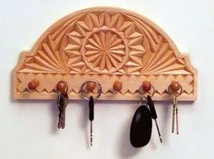 keyholder - maybe it's a bit ambitious but i really want to get into wood carving.