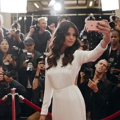 Even Selena Gomez Is Obsessed With the New iPhone 6S Features