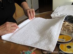 a Girl Called Kim: {DIY} Wash Cloth Puppies