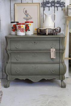 Buikkast Colorful Furniture, Flipping Furniture, Decor, Interior Design, Furniture, Home, Interior, Wood Diy, Home Decor