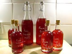 Plum Liqueur & Plum Gin recipe for plum gin / plum liquer. Flavored Alcohol, Flavoured Gin, Homemade Alcohol, Homemade Liquor, Plum Vodka, Plum Gin, Vodka Recipes, Alcohol Recipes, Shot Recipes