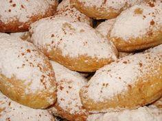 Ποντιακά λουχούλια με μήλο Sweet Recipes, Hamburger, Food And Drink, Sweets, Bread, Foods, Backen, Sweet Pastries, Food Food