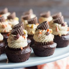Peanut Butter Cheesecake Brownie Bites via @bakingamoment
