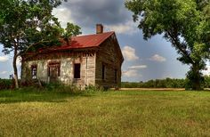 HDR treatment of abandoned farm house. Abandoned Houses, Abandoned Places, Castle Ruins, Old Farm Houses, Sheds, Cabins, Castles, Ranch, Farmhouse
