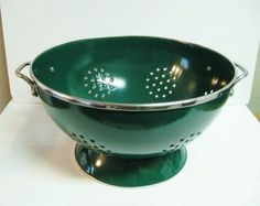 "Retro Vintage Enamel Colander Hunter Green 11"" x 6"""